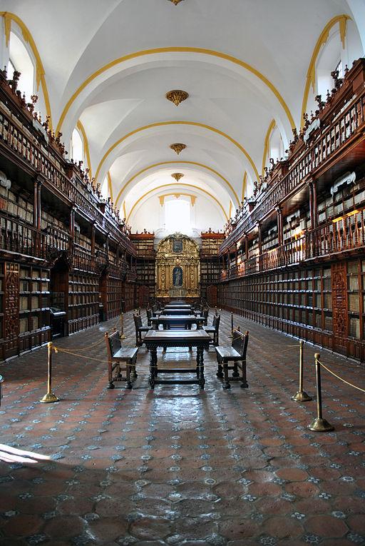 512px-Biblioteca_Palafoxiana_de_Puebla